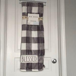 New Rae Dunn Blanket